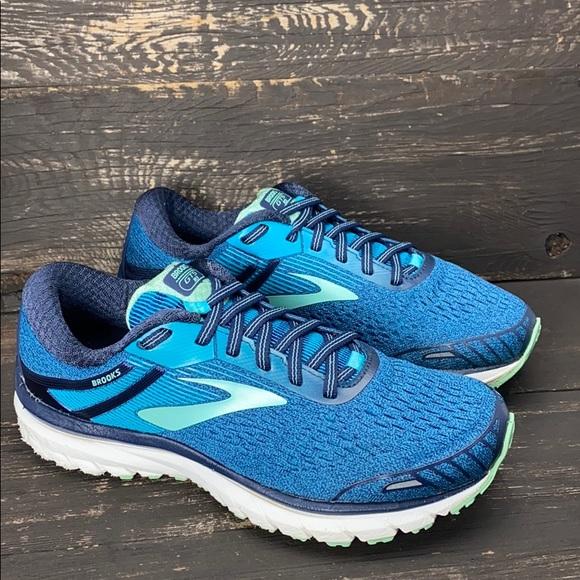Brooks Shoes   Adrenaline Gts 18 Size 8